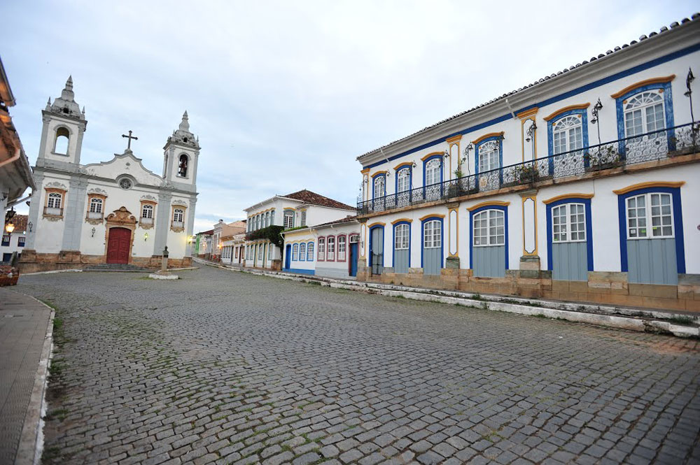 Igreja de N. S. do Rosário e Solar dos Neves(residência da família do Presidente Tancredo Neves e do Senador Aécio Neves)