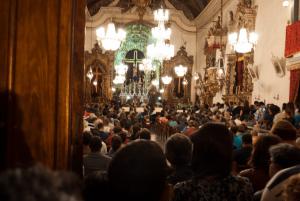 Lotação-na-Catedral-do-Pilar-na-noite-do-Ofício-de-trevas